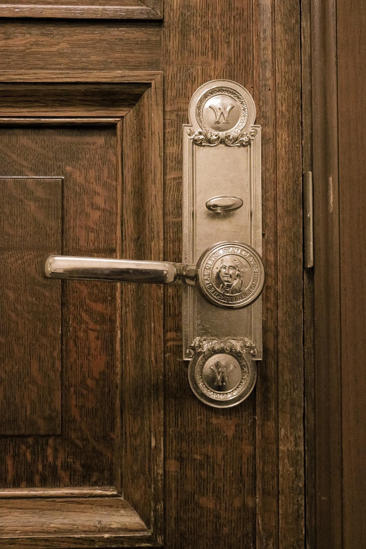 「わたしはドアにキスをする」 ミランダ・ジュライ