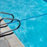 「泳ぐ人」 ジョン・チーヴァー
